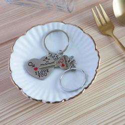 DonJordi Schlüsselanhänger Paare I love you aus Metall – 2 teiliges Set als Geschenk- Der Schlüssel zum Herzen – 2